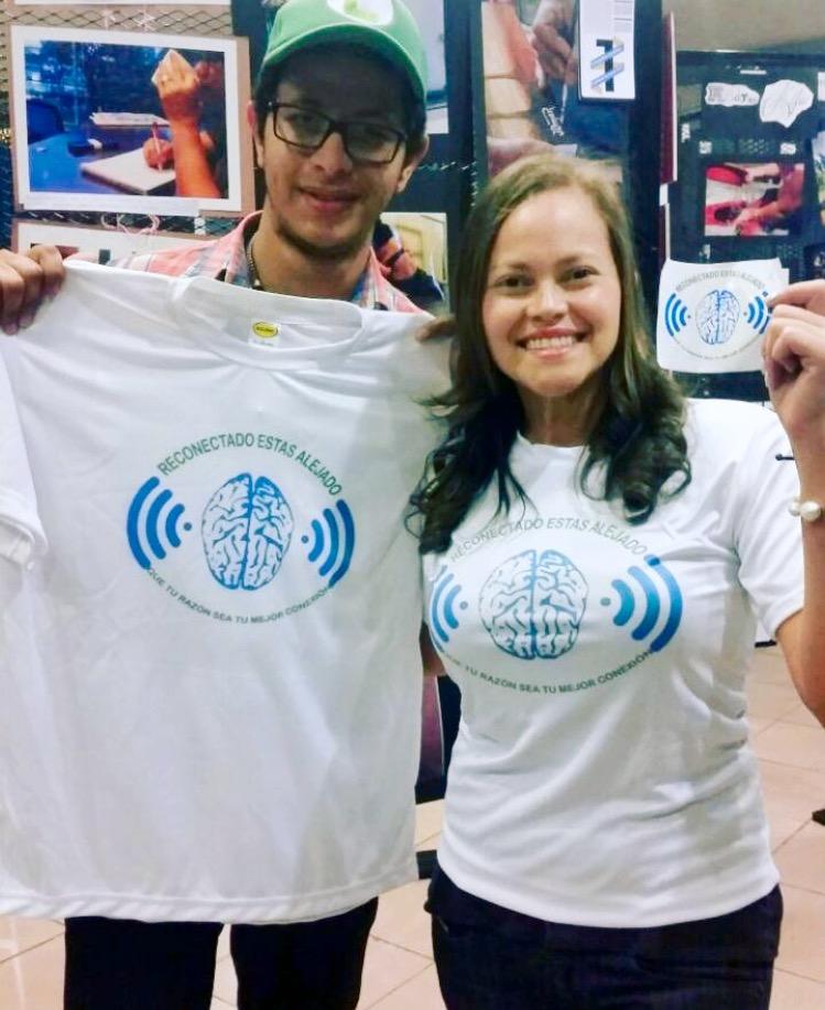 Estudiantes de la USAP realizan campaña para uso moderado del celular