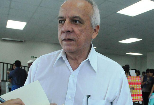 Piden justicia para asesinos del hermano del escritor Julio Escoto