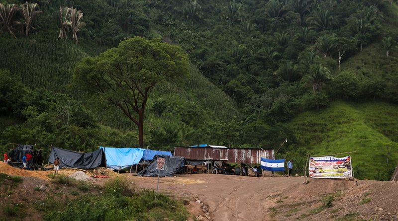 Presidente Juan Hernández evidencia interés de favorecer a minera