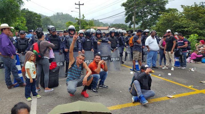 OACNUDH: Preocupante la situación de más de 3 mil hondureños que se desplazan hacia EEUU