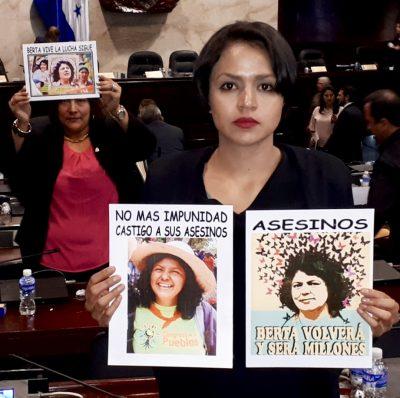 LAS NACIONES UNIDAS EN HONDURAS : ¿COMEDIANTE DE OPERA BUFA?