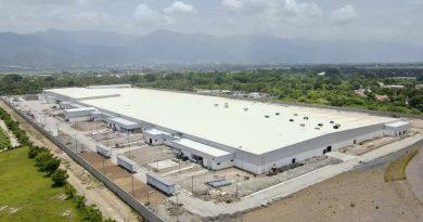 Más de 5,000 empleos generará fábrica de ropa deportiva en Honduras