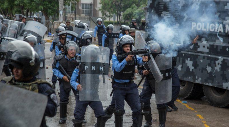 Capturan policia por crimen de menor durante protesta postelectoral